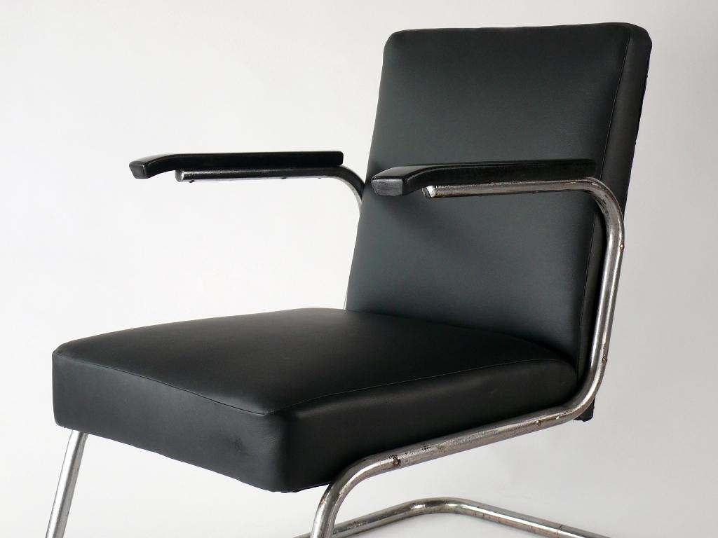 freischwinger stuhl bauhaus bauhaus freischwinger stuhl b. Black Bedroom Furniture Sets. Home Design Ideas